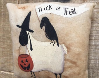 Primitive Halloween Sheep and Crow