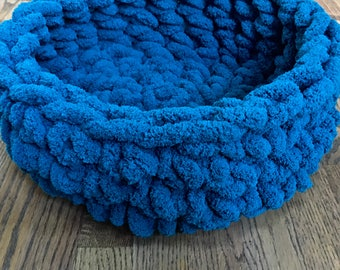 Cat Bed - Chunky Knit Cat Bed, 16 x 5 inches - Crochet cat bed or small dog bed - Turquoise Pet Bed