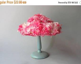STOREWIDE SALE 1960s Hat / Vintage 50s 60s Pink Floral Hat / 60s Spring Summer Flower Hat