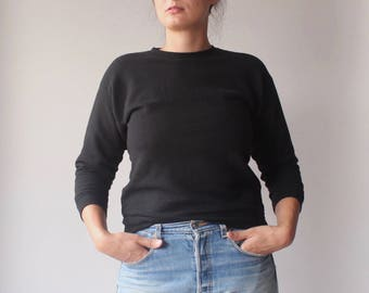 black pullover sweatshirt | black sweater | small