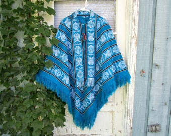 Peruvian Mexican Turquoise Wool Poncho// emmevielle