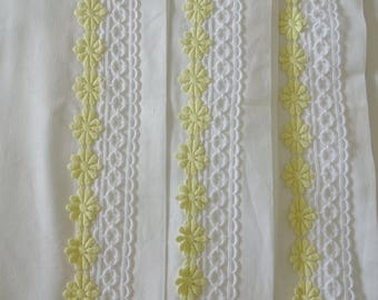 3 vintage heavy cotton yellow daisy pillowslips