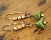 Gold flower earrings, green flower earrings, flower drop earrings, glass flower earrings, floral earrings, Czech glass flowers
