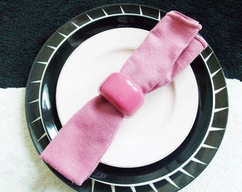 vintage 1970s pink napkins and wood napkin rings / set of 6 table linens/ Mid Century serving dining