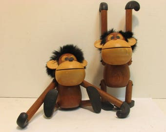 2 Vintage Sveistrup Denmark Wood Monkeys Danish Modern Mid Century Gorillas Animals Zoo lIne Type