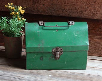 Vintage Green Domed Lid LUNCH BOX Retro Metal Industrial Lunch Pail- Small Child Lunchbox