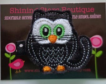 Hair Accessory - Felt Hair Clip - Black And White Felt Halloween Owl Kitty With Lime Green Eyes Boutique Embroidered Hair Clippie For Girls