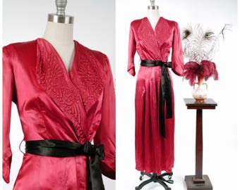 Vintage 1940s Dressing Gown - Elegant Deep Fuchsia Gleaming Satin 40s Hostess Gown with Nail Head Studs and Trapunto