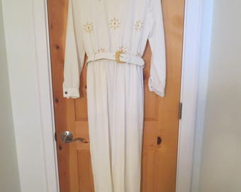 SALE White Polyester Jumpsuit / Dorothy Samuel California Design / Size 4 Gold Snowflakes / Belted Holiday Jumpsuit / 1970s couture