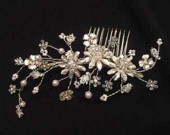 Bridal Hair Accessory, Wedding comb, Bridal comb, Rhinestone Hairpiece, Rhinestone and pearls (R6907)