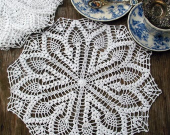 "set of 4 Hand Crochet Doily/Place Mats 15"" ,Cottage/Victorian/Shabby/Boho/French Style,Tea Party, Vintage Wedding"