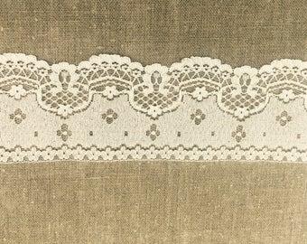 Tan Vintage Polyester Lace Trim