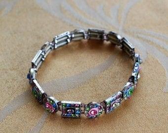 On sale Pretty Vintage Multi-Colored Crystal Bracelet, Silver tone, Stretch (B14)