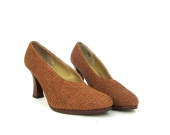 Vintage Minimal Shoes High Heel Brown Pumps Woven Fabric Fashion Shoes stacked Wooden Heels Fringed Slip on Shoes Womens Size 7.5