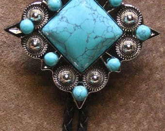 ON SALE Diamond Shaped Green Turquoise Bolo Tie