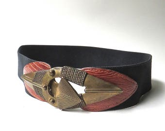 70s/80s vintage Omega Tribal Brass Tone Arrow Elasticized Cinch Belt / Boho Indie Hippie Festivals Ethnic African Inspired / made in the USA