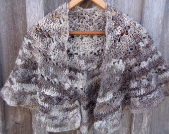 Natural color Jacob  sheep  crochet shawl.  Hand spun shawl. Vintage style  shawl. Keepsake shawl.