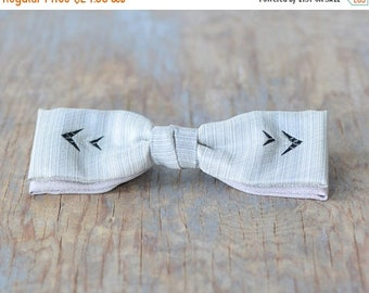 20% OFF SALE 50s bow tie, vintage 1950s gray skinny bow tie, mid century Ormand NYC clip on bow tie