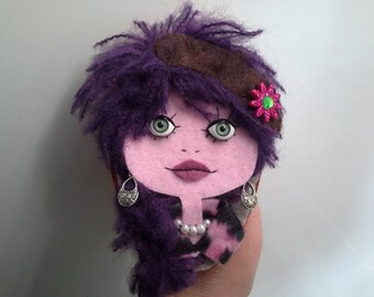 Broche Art Doll Poupee Yeux Ouverts Bridget