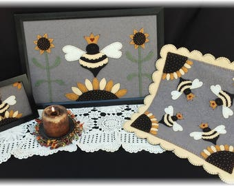 Her Majesty~Queen Bee Candle Mat Pattern Set~MAILED PAPER PATTERN