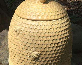 Cookie Jar Bee Hive Skep Matte Yellow Natural