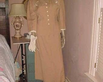 Vintage 40s 50s Ladies Suit SACONY PALM BEACH Summer Tan Lovely Details Rhinestone Pins & Glovesi