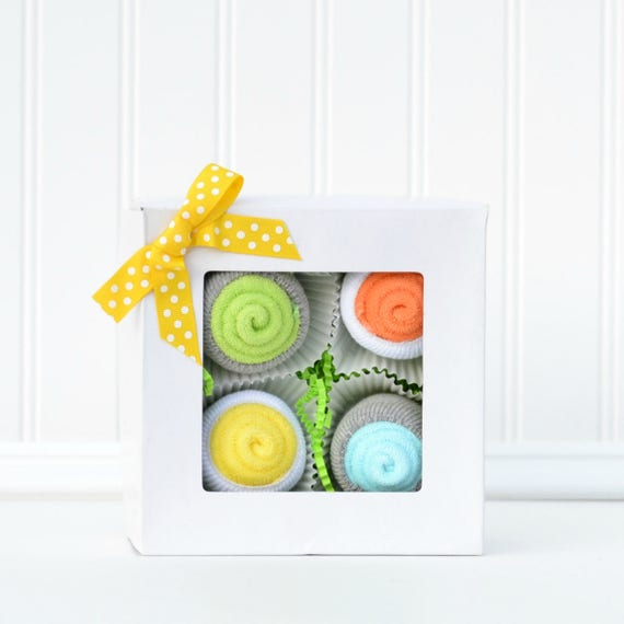 Neutral Newborn Gift Set, Pregnancy Gift Ideas, Baby Gift Set Cupcakes, Maternity Leave Gift, Baby Gifts under 25, Unique Layette Gift