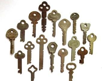 18 vintage flat keys Antique keys Old skeleton keys Flat keys Old odd keys Little skeleton keys Vintage keys Skelton key Small key Unique #2