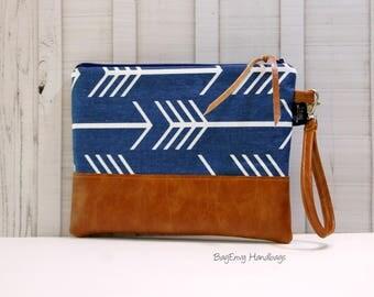 Grab N Go Wristlet Clutch - Navy Arrows with Vegan Leather