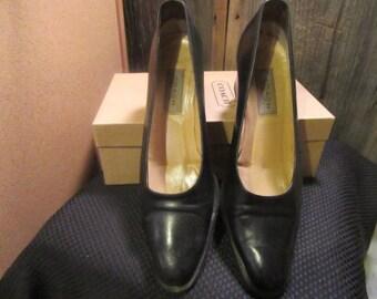 "Vintage COACH Tara Black Leather Shoes Heels - Size 9B - 2-1/4"" Heel"