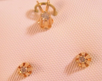 SALE & FREE SHIPPING 10k Genuine .10ct Diamond Pendant and Earrings Buttercup Old New Stock