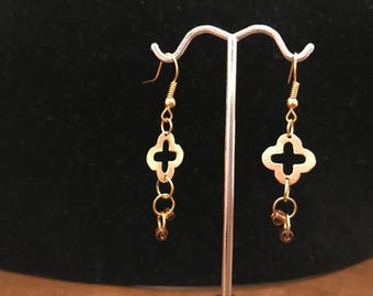 Earrings, chain maille, gold with beads