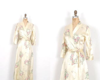 MEMORIAL WEEKEND SALE... Vintage 1940s Robe / 40s Rose Print Satin Dressing Gown / Cream ( small S )
