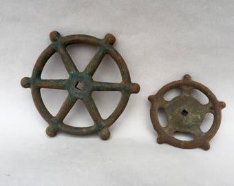 2 Rusty Antique Metal Handles . Knobs . Retro Decor . Iron Metal . Vintage Garden