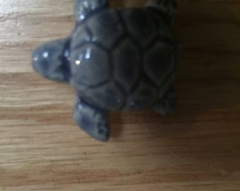 Faded blue jeans ceramic turtle pin