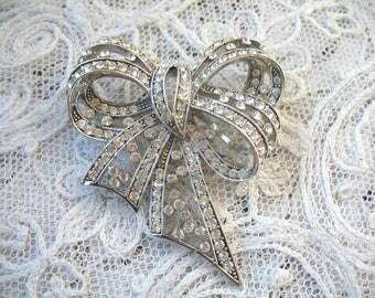Vintage Rhinestone Brooch ~ Joan Rivers ~ Crystal Bow