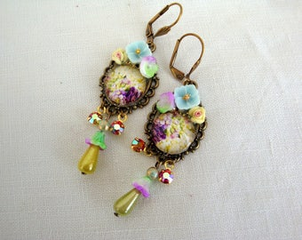 Earrings romantic and floral soft violet