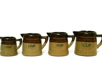 Vintage Measuring Cups  /  Pottery Stoneware Measuring Set in Brown and Tan  /  Med-Century Kitchen Decor / Farmhouse Kitchen Cooking Tools