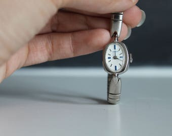 Vintage Thin Silver Timex Watch | 1960s Vintage Women's Watch | Womens Wrist Watch | Vintage Timex
