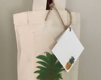 Pineapple Wine Bottle Bag Reusable with Coordinating Gift Card Welcome Gift Fruit Illustrated Tropical Wine Gift Party Favor Wine Tasting