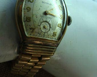 Mans  oblong Benrus Watch from the late 50's.  Still runs !