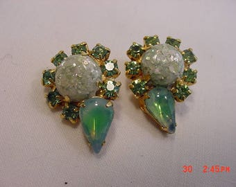 Vintage Green Rhinestone Clip On Earrings  17 - 736