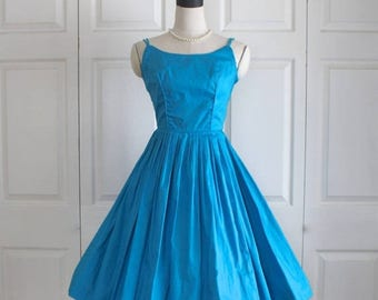 50% OFF SALE 1950s Turquoise Blue Sundress . Vintage 50s Fitted Waist Full Circle Skirt Gorgeous Bombshell Sleeveless Summer Dress . Size Sm