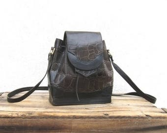 20% Off Sale 80s Drawstring Bucket Bag Black and Dark Green Crocodile Embossed Leather