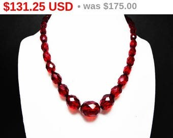 Cherry Amber Bead Necklace - Faceted Beads Bakelite Choker - Graduated Beads - Vintage 1930's - 1940's Era