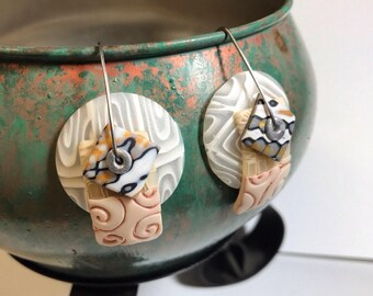 """1 pair """"Shells and Sand"""" new disk earrings by Marie Segal 2017"""