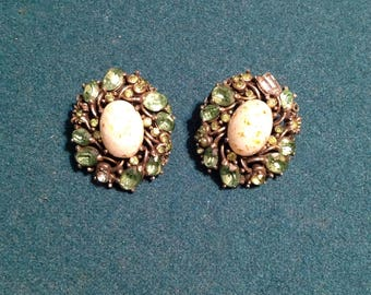 Holly craft green clip on earrings