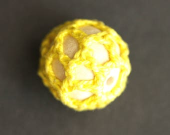 Four (4) Yellow Knitted Wooden Beads. Light Wood Beads. Yellow Beads. Yellow Knit Beads. Netted Beads. 20mm