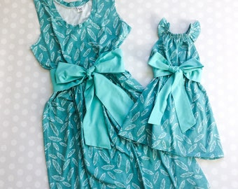Teal Feather Mommy and Me Dresses - Mommy and Me Set - Mommy and Me Outfits - Mother Daughter Dresses - Mothers Day - Mothers Day Gift