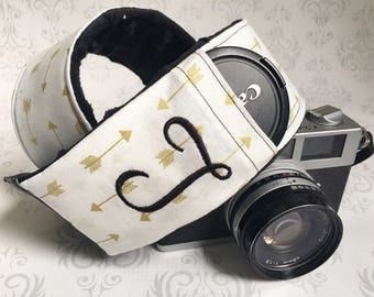 Personalized DSLR Camera Strap, Extra Long, Lens Cap Pockets, Nikon, Canon, DSLR Photography, Photographer - Gold Arrows with Black Minky